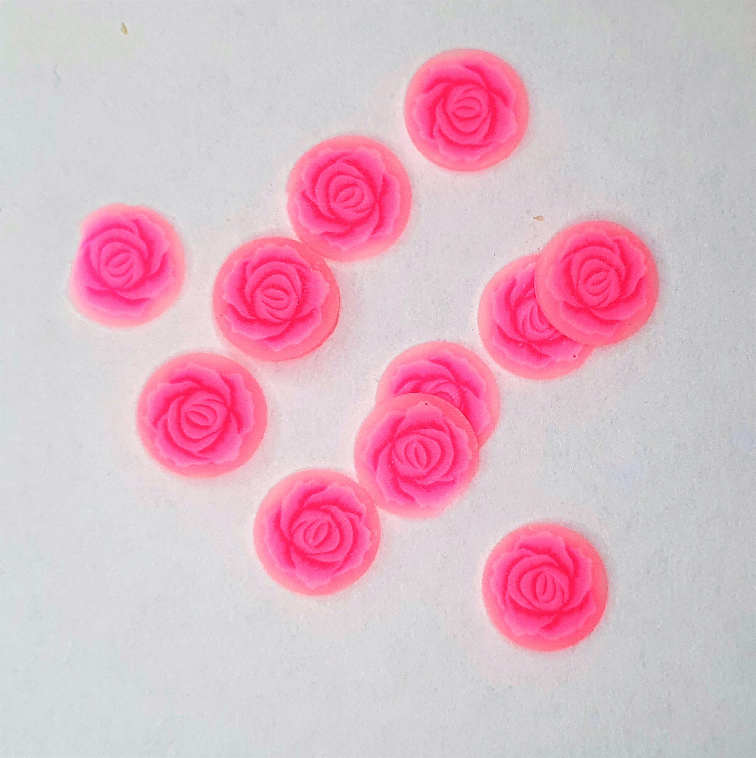 Ozdoby na paznokcie różowe kwiatki