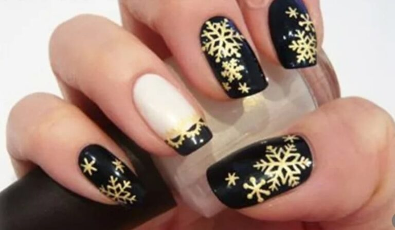 Świąteczne naklejki na paznokcie